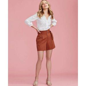 Ann Taylor腰带短裤