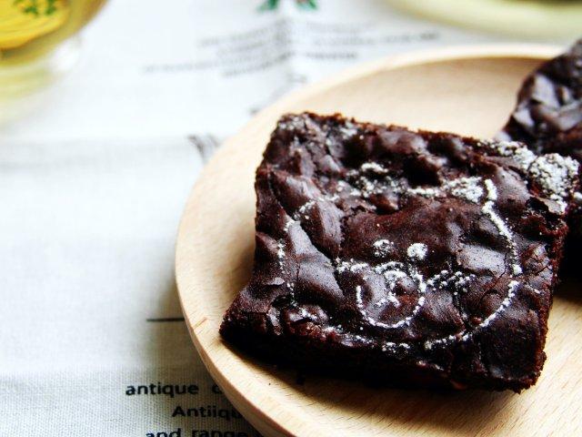 巧克力桃仁布朗尼 | 这种略带苦味...