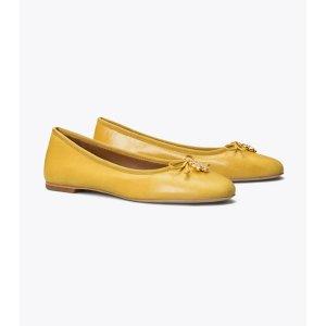 Tory BurchTory Charm 平底鞋