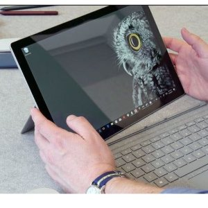 $999.99(原价$1723.46)Microsoft Surface Pro 平板电脑 ( Intel Core i5, 8GB, 128GB)