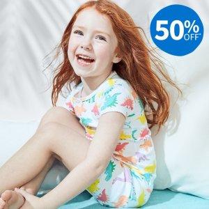 连体衣$4.8 短袖短裤多款选Carter's官网 儿童新款睡衣3-5折热卖,美国宝宝都穿