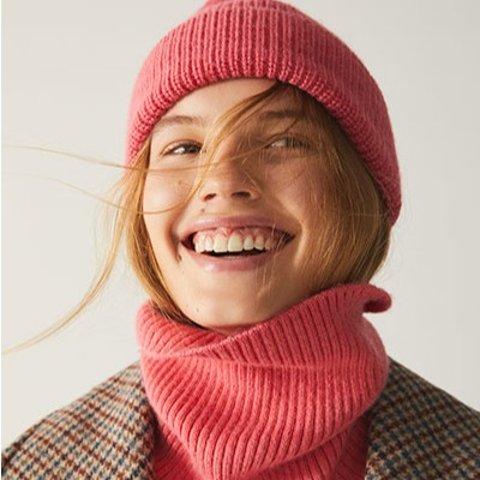 法风贝雷帽£25收 时尚又保暖Arket 温暖配饰上新 贝雷帽、羊绒围巾、羊毛披肩全都有