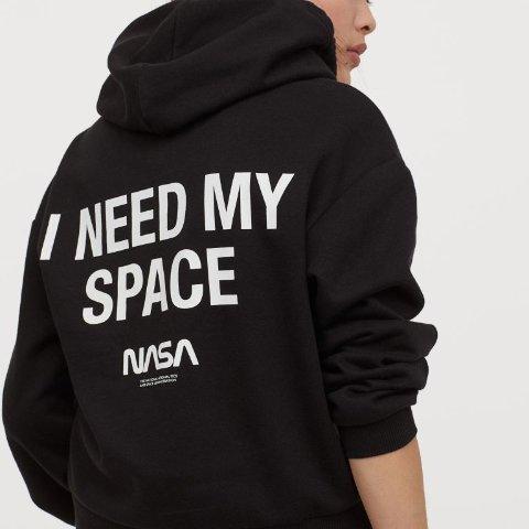 短袖£3 卫衣£6H&M X NASA 联名 穿起卫衣短袖 NASA带你去宇宙遨游