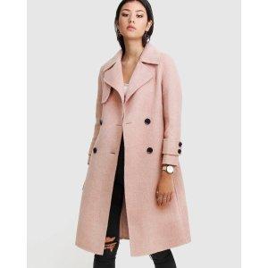 樱花粉大衣