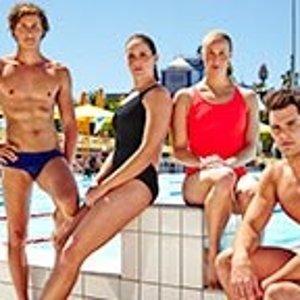 低至4折Speedo官网 精选专业泳衣泳裤,配饰热卖 男女童款都有