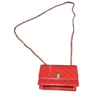ChanelChanel 红色Logo链条包