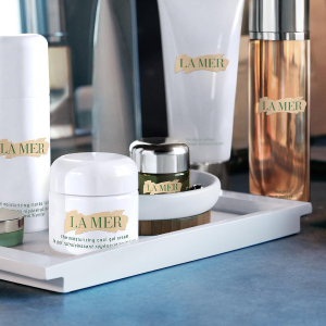 10% off + Rejuvenating Hand Serum DeluxeWith La Mer Beauty Purchase @ Saks Fifth Avenue