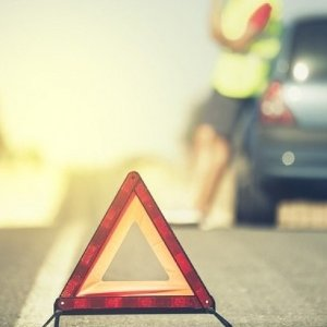 失控状态自救秘籍《DM汽车频道驾驶学院》汽车紧急驾驶技巧