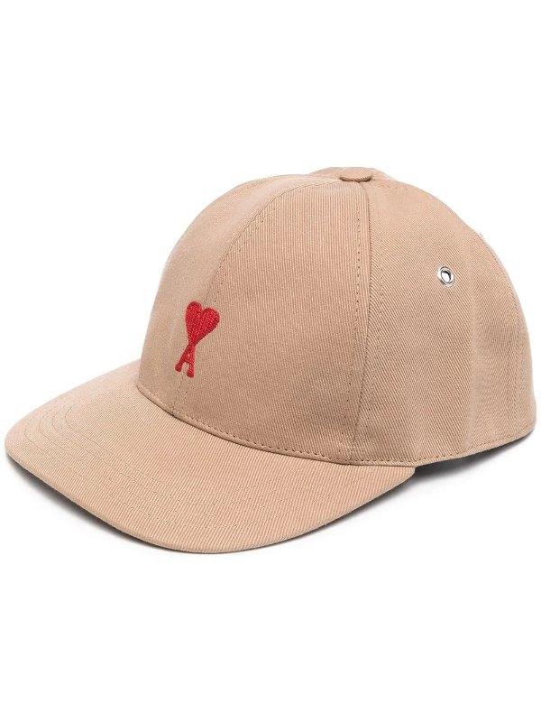 爱心棒球帽
