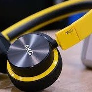 现价 £31.99(原价£69.99)AKG 爱科技 Y40 头戴式耳机
