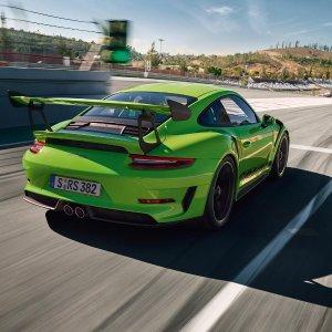 用Forza 7 打败你的对手燃起你的赛车之魂 赢保时捷大师杯训练 开GT3 RS的机会来了