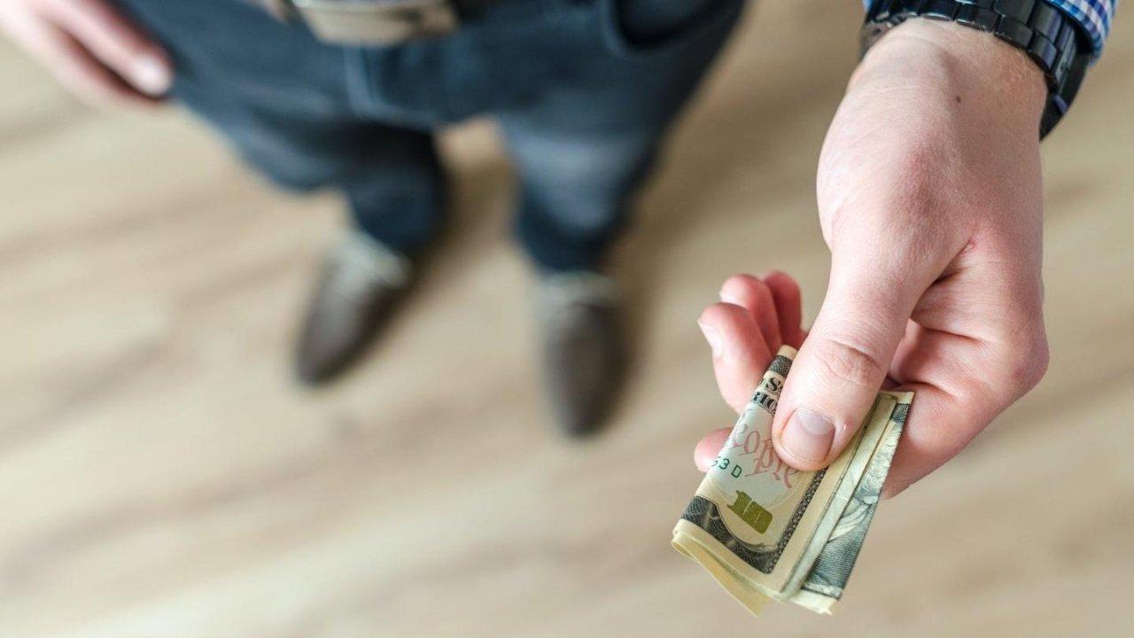 加拿大捐款科普和抵税指南:把钱捐给谁?能抵多少税?报税要注意什么?