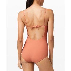 Lululemon封面款一片式泳衣