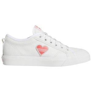 Adidas桃心小白鞋