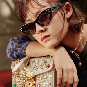 低至5折 $280收猫眼墨镜Miu Miu 私密大促 美包美鞋买起来