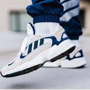 低至3.3折+额外8折 $78收条纹凉鞋独家:Adidas 潮流运动鞋服热卖 今夏流行运动风