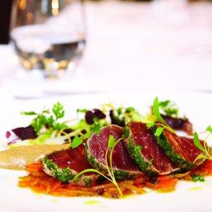 低至53折 可配香槟酒La Chapelle 米其林一星餐厅夏多布里昂牛排套餐