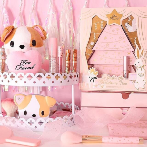New arrival!Too Faced Christmas Makeup Collection @ Sephora