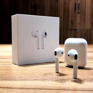 现价 £129.99(原价£159)手慢无:Apple AirPods 无线蓝牙耳机