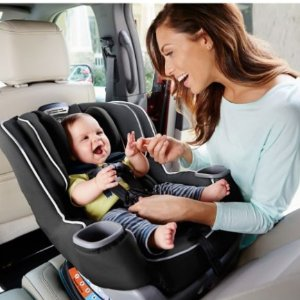 $50 Gift Card with $250Select Graco Car Seat、Stroller Sale @ buybuy Baby