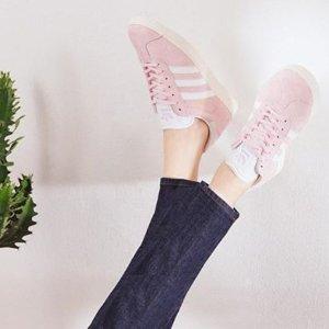 5折起+额外8折 £29收sambarose厚底鞋Adidas 粉色少女运动风来袭 这个夏天做蜜桃女孩吧