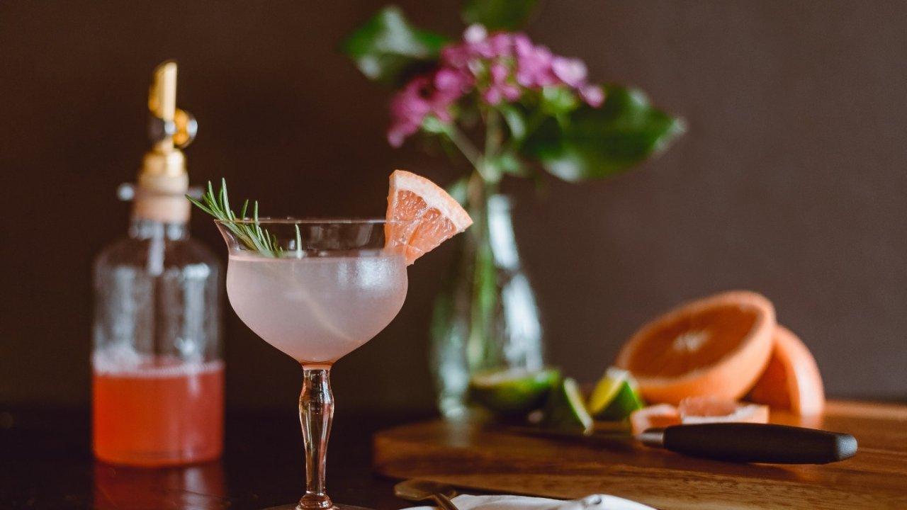 法国女生酒单推荐,独享一个人的微醺时刻!盘点那些颜值高又好喝的酒!