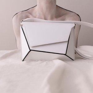 Naomi - White