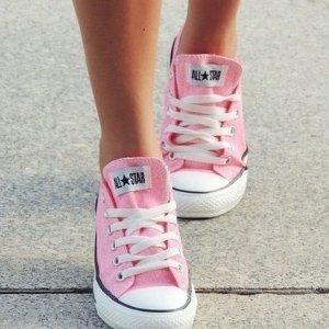 低至7折Converse 精选 男女、童款休闲百搭帆布鞋 热卖