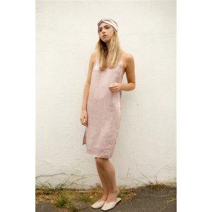 浅粉色睡裙