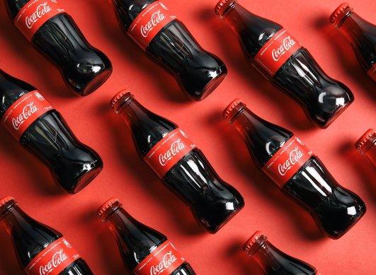 叮咚~ 这个夏天Coca-Cola 可口可乐想送你一杯可乐!叮咚~ 这个夏天Coca-Cola 可口可乐想送你一杯可乐!