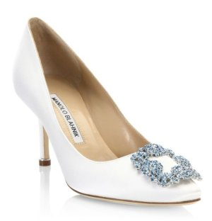Manolo Blahnik Hangisi 70 Point Toe Pumps