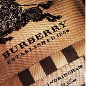 变相8折 入经典羊毛围巾Burberry 精选风衣、美包、围巾等热卖