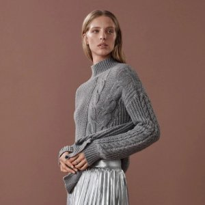 Calvin Klein满$125减25灰色毛衣