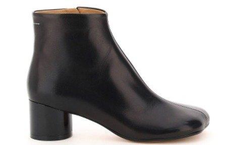 近期好价!Maison Margiela 黑色猪蹄靴$326近期好价!Maison Margiela 黑色猪蹄靴$326