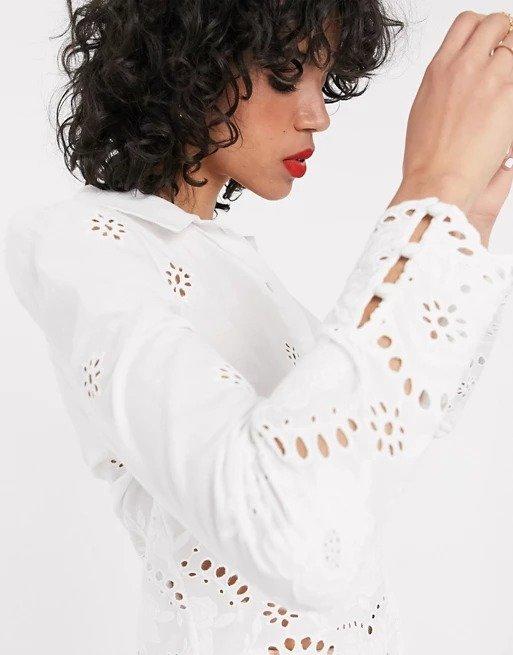 白色镂空衬衫