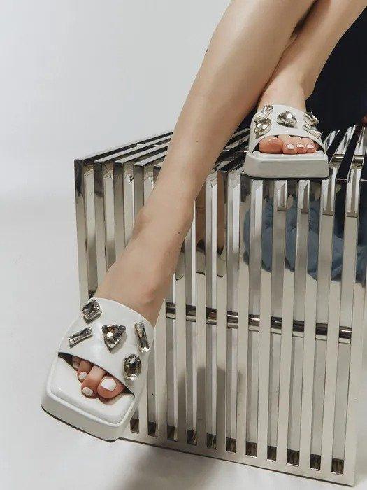 宝石厚底拖鞋