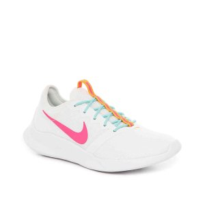NikeVTR Sneaker - Women's