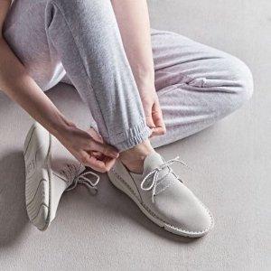 Clarks麂皮舒适平底鞋