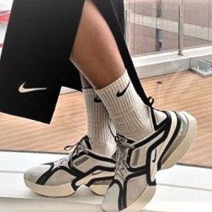4折起+折上8折 €60收Air Max马卡龙色Nike Air Max 新品大促 抹茶绿、LV太空鞋平替、马里奥新色快收