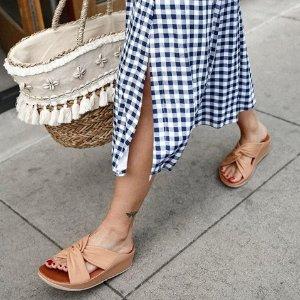 低至5折 £21收拖鞋Fitflop 超舒适休闲鞋、凉鞋夏季大促