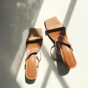 直接半价!半价!€160收经典凉鞋By Far 年度最低折扣 够小众够高级 今夏look怎么少得了它