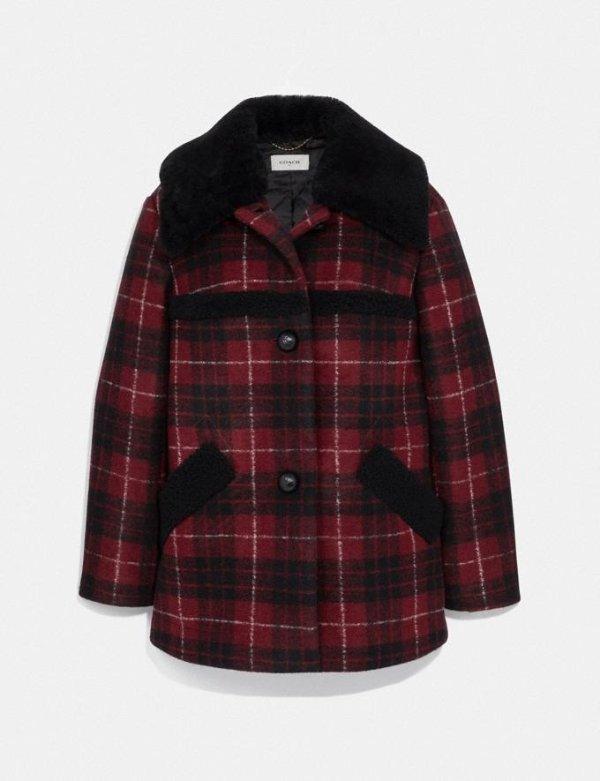 红黑格纹外套