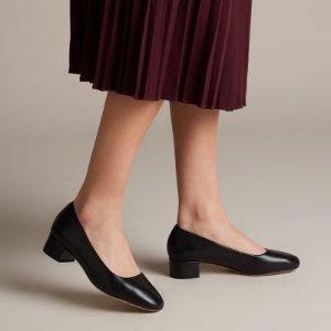 Clarks黑色中跟鞋
