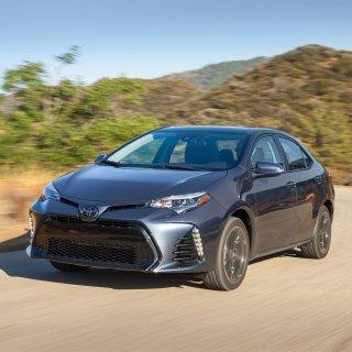 凭什么它可以全球销量第一?2017 Toyota Corolla 四门紧凑型轿车