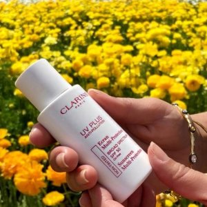 15% offDealmoon Exclusive: + 6-pc gift with UV PLUS Anti-Pollution Sunscreen SPF50 @ Clarins