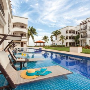 70% Off $170+Playa del Carmen: Luxe, Adults-Only All-Inclusive Hilton Resort