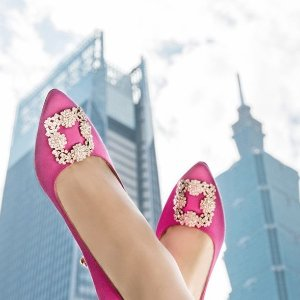 Earn up to $900 gift cardSaks Fifth Avenue Manolo Blahnik Shoes Sale