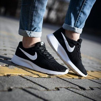 Up to 50% Offmacy's Nike Sports Shoes on Sale