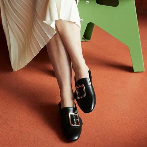 低至5折 麦昆小白鞋$370补货独家:Mia Maia 时尚盛典 Acne围巾$194,Bally乐福鞋$396