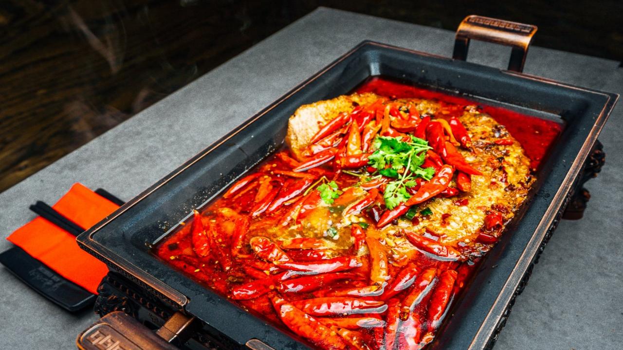 超赞烤鱼体验!八种口味的烤鱼任你选,还有锡纸系列以及改良香辣蟹!